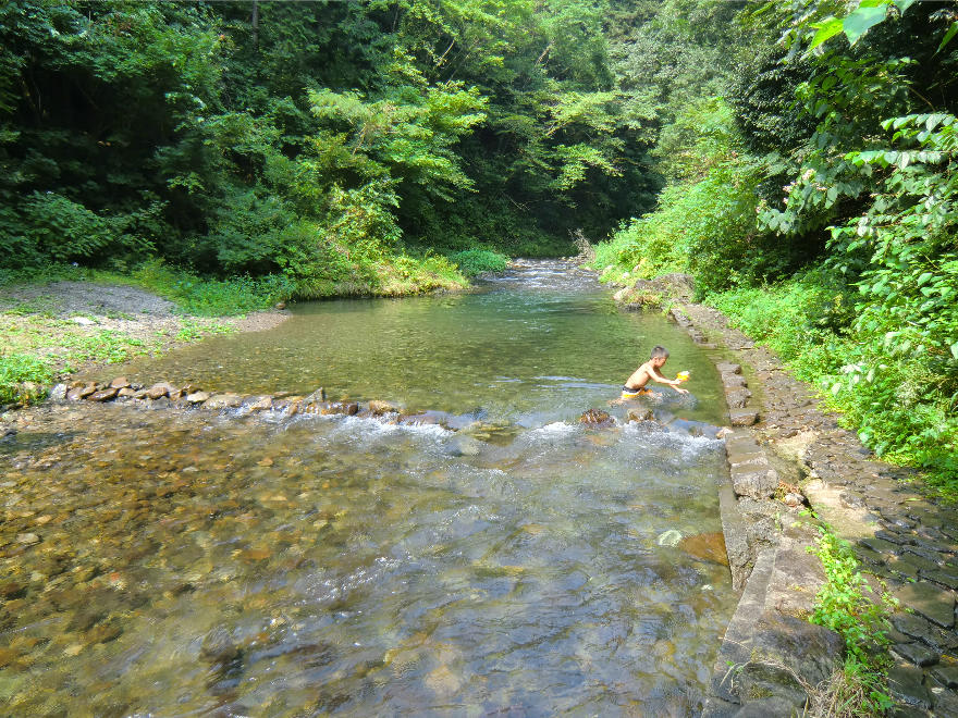 川遊び 水遊び 秋川渓谷でアウトドア満喫 バーベキュー Bbq に魚