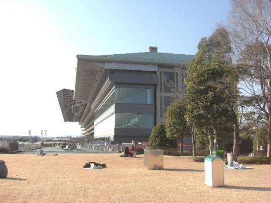日本中央競馬会(JRA)東京競馬場の公園とミニ遊園地(関東東京都府中)
