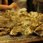 熱々殻付き牡蠣/焼きガキの食べ放題 かき小屋(岩手県山田町)