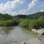 川遊びと魚とり 山梨県北杜市の釜無川(中部、山梨県)